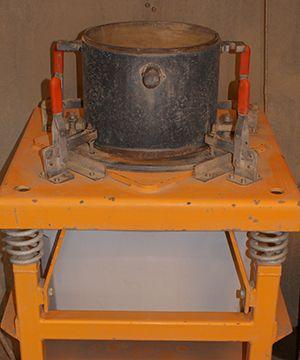 Vibration compressor til geoteknisk analyse.